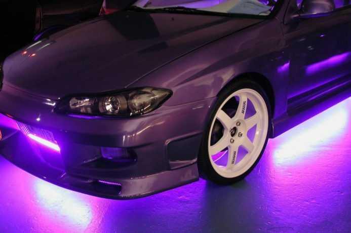 фиолетовая подсветка авто
