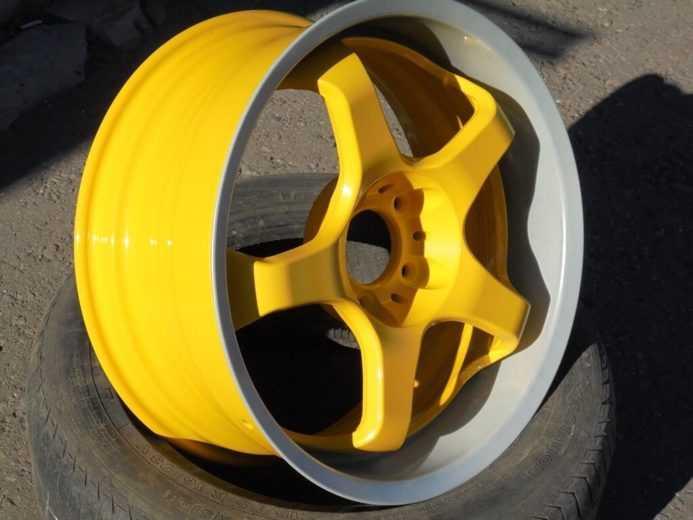 желтый колесный диск