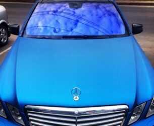 синий мерс с атермальным стеклом