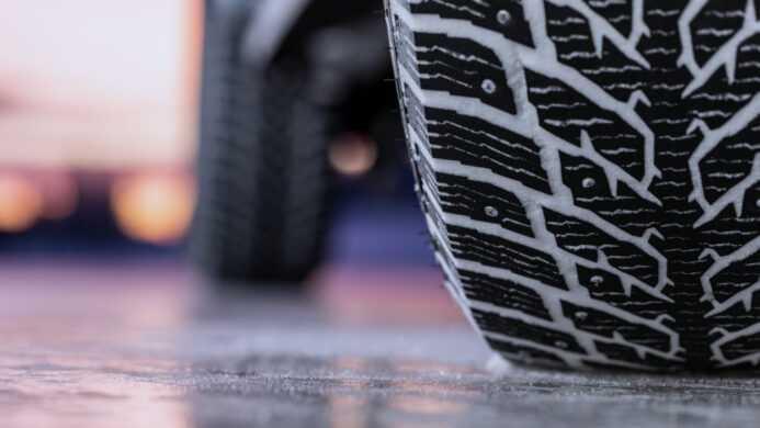 Сезонная смена шин. Почему это важно?