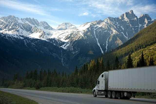 Как водить грузовик?